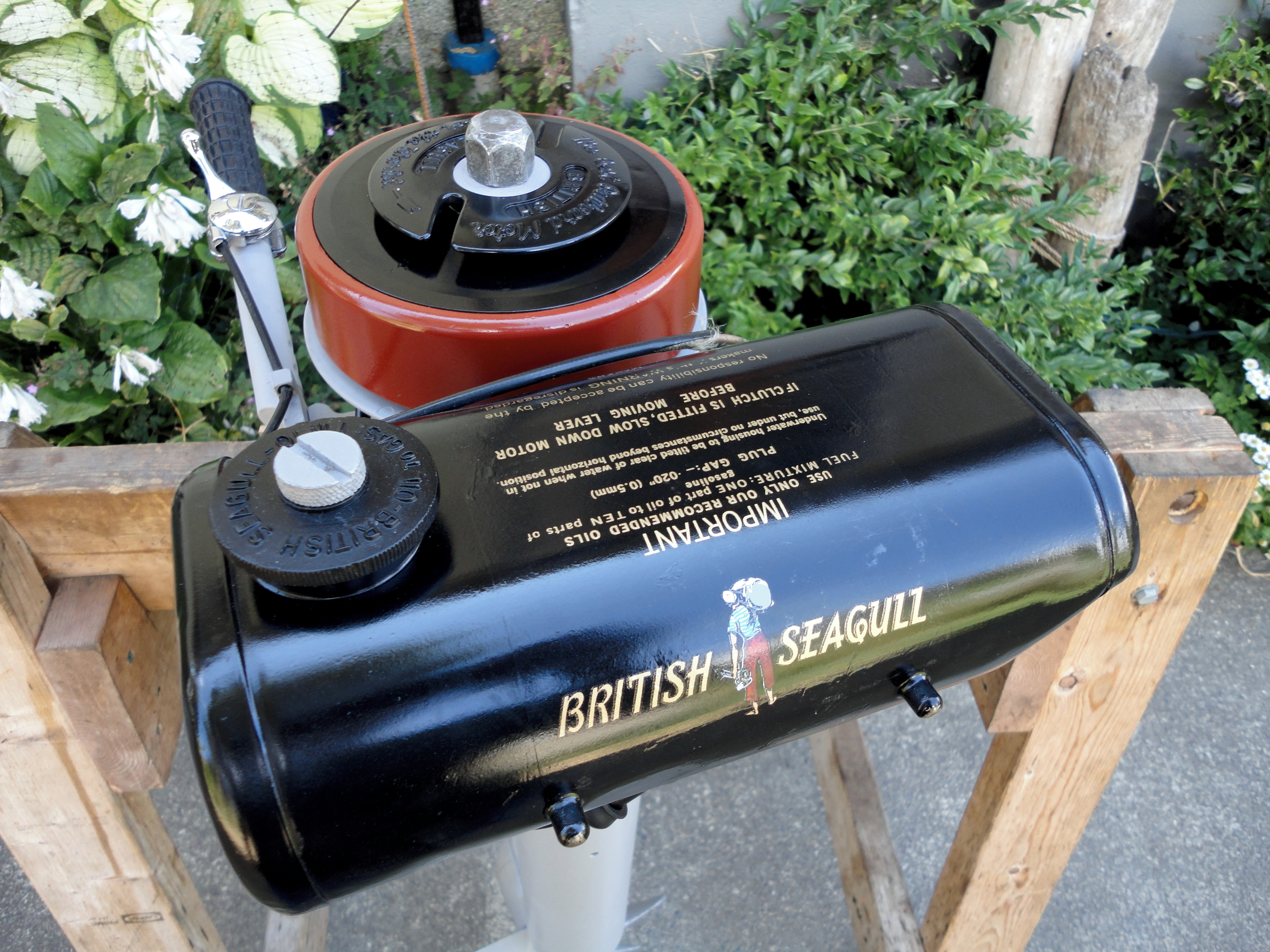 General maintenance and running advice for your Seagull Outboard Motor.